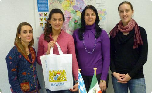 Die erste Praktikantin aus Jalisco (zweite v. li.) und das BAYLAT-Team: Sabine Friebe M.A., Dr. Irma de Melo-Reiners, Carolin Benz M.A. (von li.)