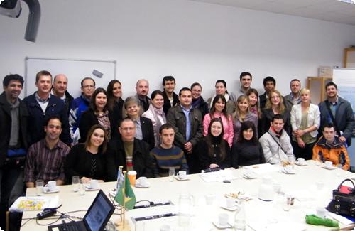 Die Besucherinnen und Besucher der Universität UNISINOS, Rio Grande do Sul, Brasilien